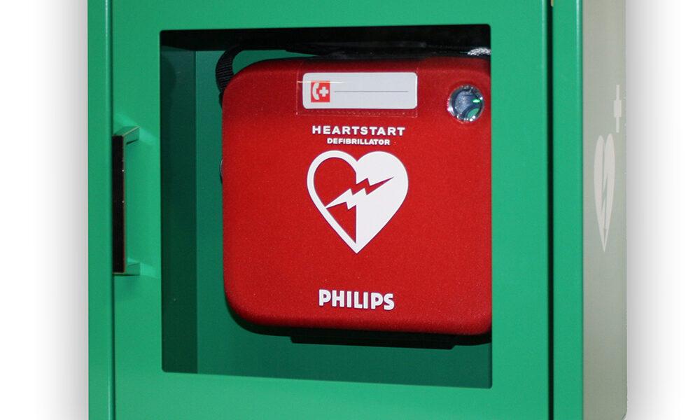 AED apparaat in kast
